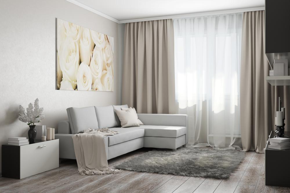 cortinas tela blackout tradicionales. Cortinas colocadas desde casi el techo y hasta el suelo.CORTINAS PARA LIVING